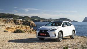 best luxury SUVs - lexus RX